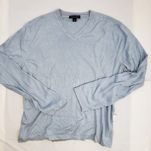 Banana Republic silk and Cashmere v-neck sweater